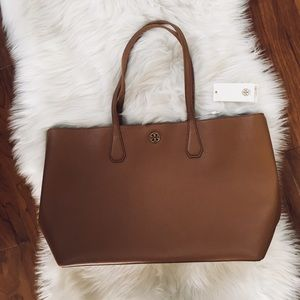 NWT Tory Burch Brody Tote in brown